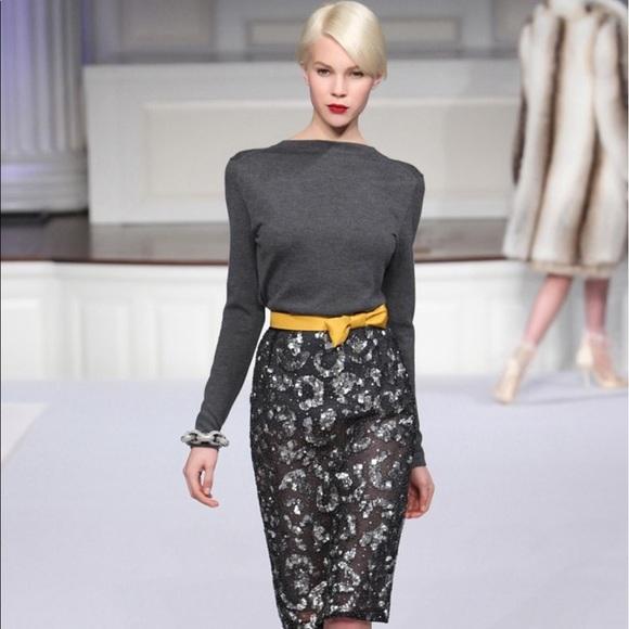 5d9fde88bcc Oscar de la Renta Silk Cashmere V Back Sweater