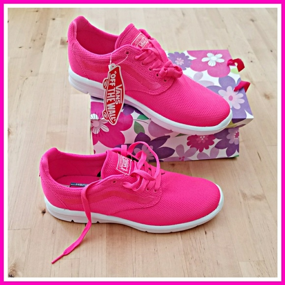 68f7e4565c4fa9 Knockout Pink Vans Iso 1.5