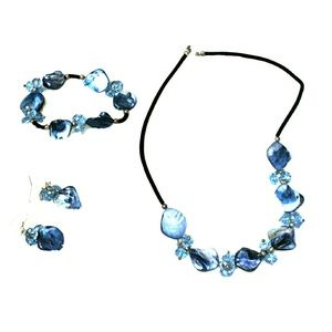 Honora Jewelry - Gorgeous mother of pearl set