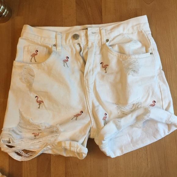 91e51c1b High rise Zara flamingo embroidered shorts. M_592c84d656b2d69b8a016db4