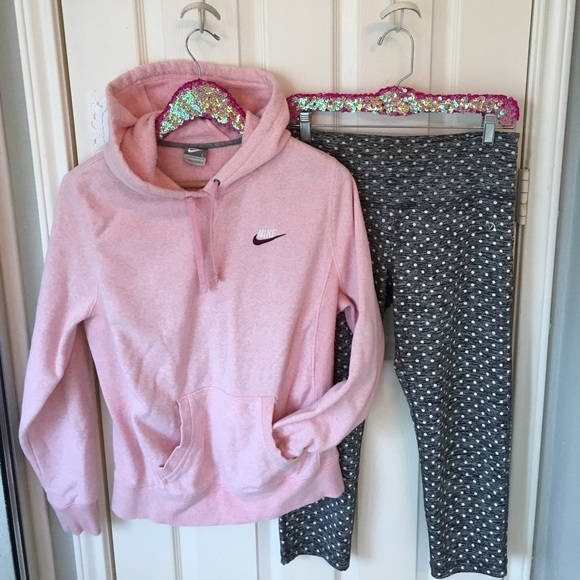 cheap for discount price reduced dirt cheap Junior's Baby Pink Nike Hoodie!