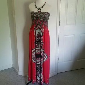 Dresses & Skirts - Maxi dress with halter tie