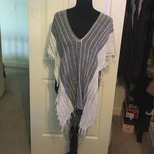 Free People Sweaters - Free People hi low woven light weight poncho