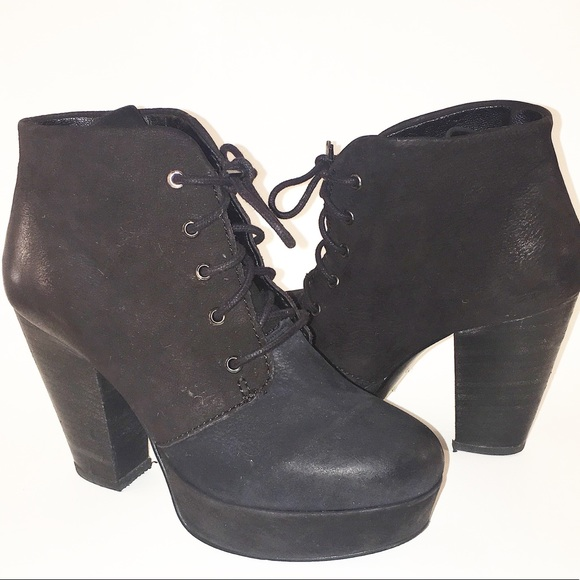 Steve Madden Shoes - STEVE MADDEN RASPY suede ankle boot EUC