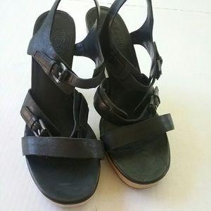 Ecco Shoes - BLACK ECCO PLATFORM SANDALS SIZE 40