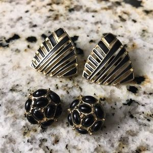 Jewelry - Black and gold stud earrings