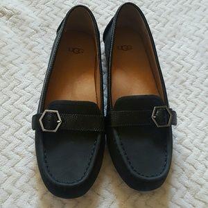 UGG Shoes - NWOB UGG Gwynith Loafers Size 6.5