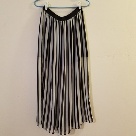 40 h m dresses skirts h m black and white striped
