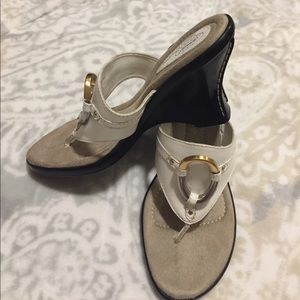 Dr. Scholl's Shoes - NEW! Dr. Scholl's Memory Fit Cushion Wedges Size 8