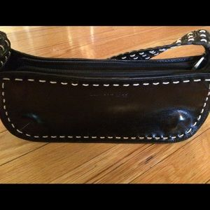 New Kenneth Cole Blk leather purse.