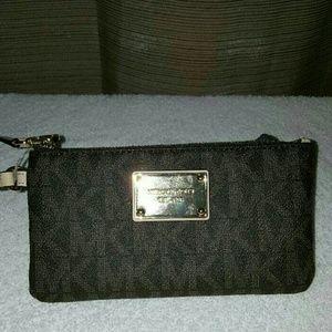 Handbags - Michael kors wallet wristlet