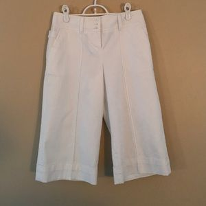 FULLY LINED PERFECT SUMMER WHITE CAPRIS size 2