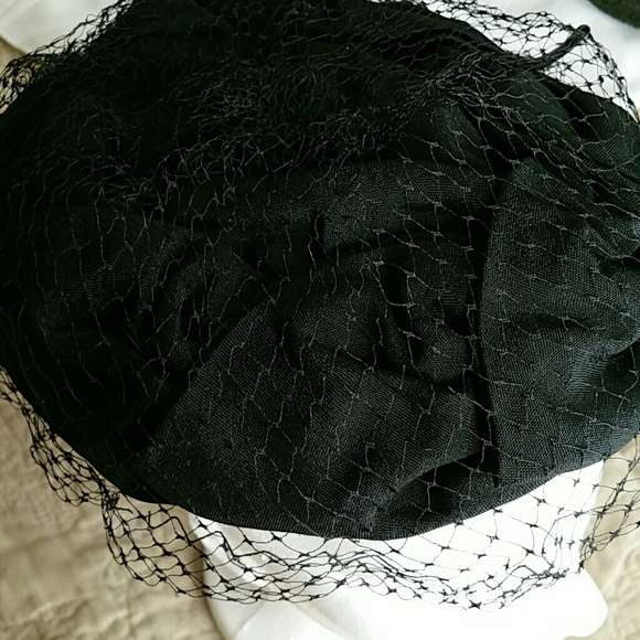 Michael Mccracken Offers Age Fighting Eye And Facial: Antique Black Hat With Birds Eye Veil OS From Justina's