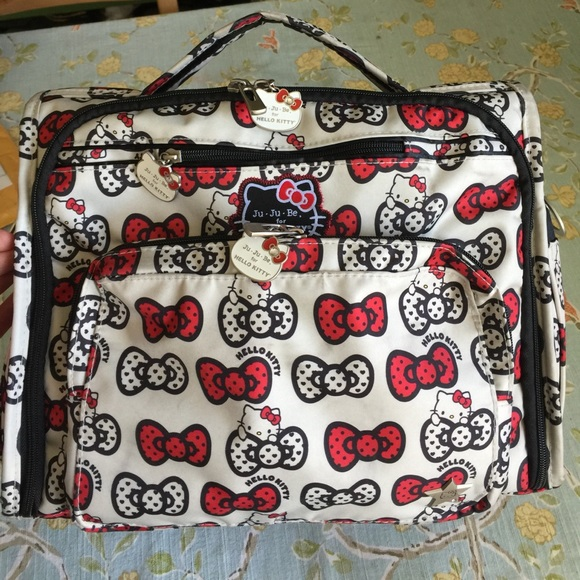6752f6dea Hello Kitty Handbags - Jujube hello kitty bff peek a bow