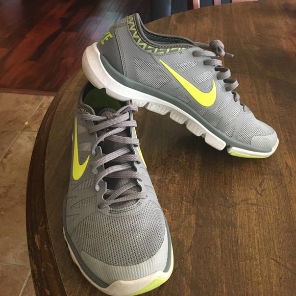 414f44dec56e4 Fitsole flex supreme tr3 Nike training gray green.  M 592cbf144e8d17121a041a94