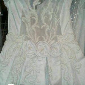 Dresses & Skirts - Pick up only Mon Cheri gown (Box 10 dress 3)