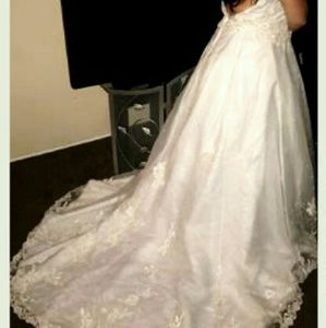 Dresses & Skirts - Pick up only wedding dress (Box 6- dress 1)