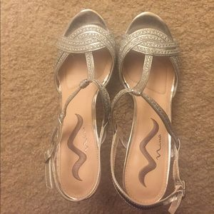 Nina Shoes - Silver Sandals with stones