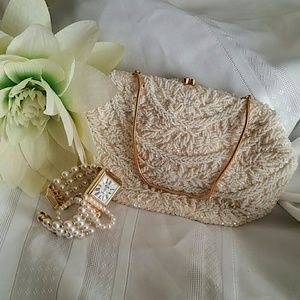 La Regale Handbags - Vintage La Regale beaded purse