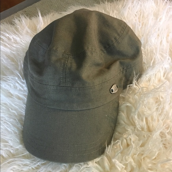 nouvelle arrivee 2bc9d c9769 Adidas military style hat