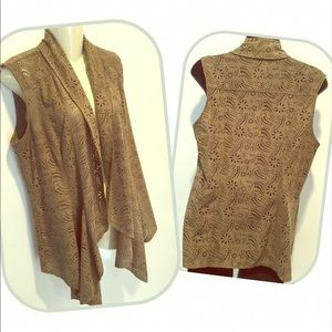 VAKKO for INC Olive faux suede open vest size med