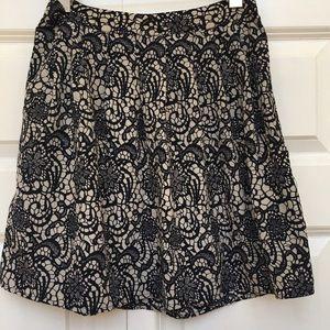 hinge Dresses & Skirts - Hinge Side Zip Lace Print Mini Skirt EUC