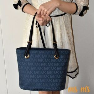 Michael Kors Handbags - 😲❗️SALE❗️FIRM PRICE NWT MICHAEL KORS Tote NAVY
