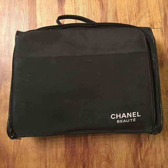 69978af78c10fe Chanel Limited Edition Makeup Bag | Stanford Center for Opportunity ...