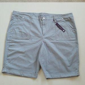 Gloria Vanderbilt Pants - NWT Slimming Summer Ready Shorts