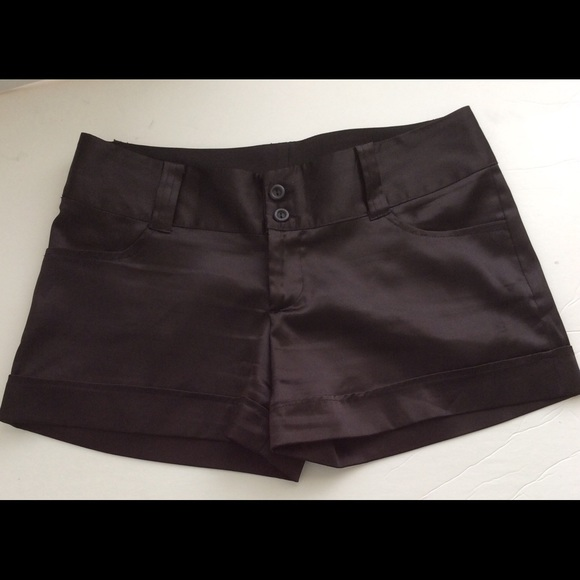 Free shipping and returns on Women's Black Shorts at specialtysports.ga
