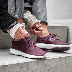 Nike Shoes - Nike Juvenate Premium Maroon Sneakers