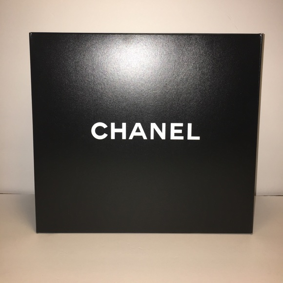 0afda194902b49 CHANEL Handbags - Chanel Empty storage box gst tote