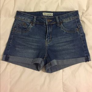 New without tags Cielo Jeans size M shorts