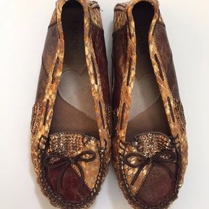Womens Loafer Shoes by Kenzie bronze Size 8 Sequin