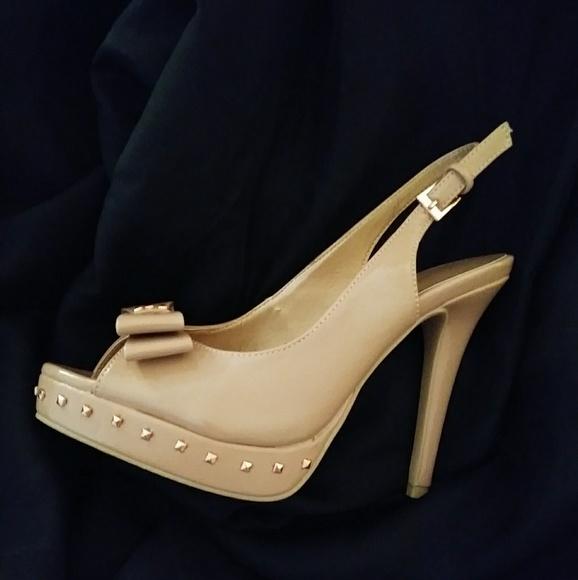 0f62dff1602 LC Lauren Conrad Shoes - LC Lauren Conrad💖 nude peep toe slingback heels