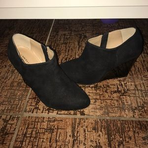 🚫SOLD🚫 Ann Taylor Ankle Bootie Wedges Size 5.5