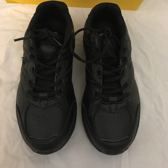 Avia Oil And Slip Resistant Shoes