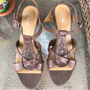 Clarks cork wedge brown camel sandals size 9.5