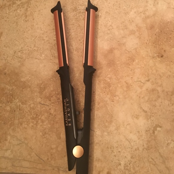 35 off kardashian beauty other kardashian beauty for Beauty wand