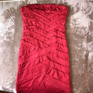 Dresses & Skirts - Strapless red bodycon party dress size Small