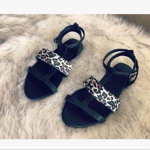 🎀 Forever21 sandals 🎀
