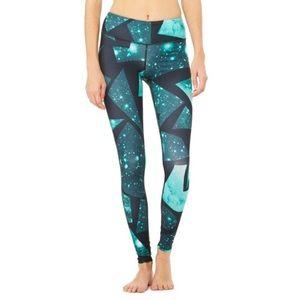 ALO Yoga Pants - Alo green space/color black crop leggings