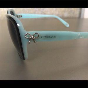 6f4dc699f6b Accessories - Tiffany   Co. Twist Square Bow Sunglasses - TF4092