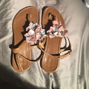 Alyssa Nicole Shoes - Brown dressy sandals with 3 deceptive flowers