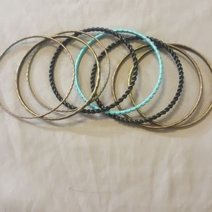Jewelry - Bundle of chained bracletes