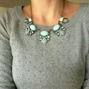 NEW Gorgeous boutique mint deco necklace gold