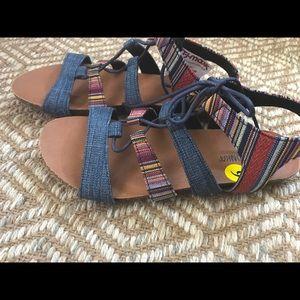 Minnetonka Shoes - ✨Sale✨Minnetonka Sandals