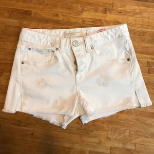 Marc by Marc Jacobs Pants - Marc by Marc Jacobs • white shorts