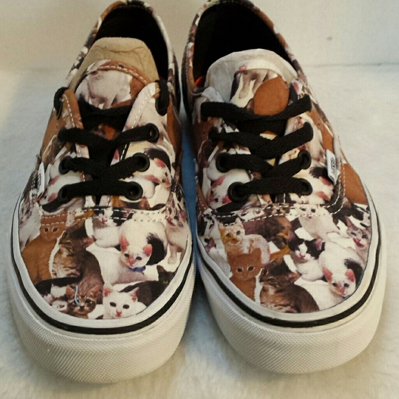 641469a0a1 VANS UNISEX ASPCA AUTHENTIC CAT. M 592dd1b5ea3f369bff07508f