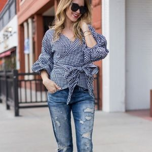 Gingham top with Statement Sleeve